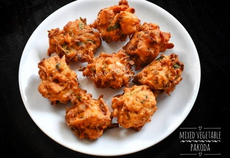 Mixed Vegetable Pakoras1